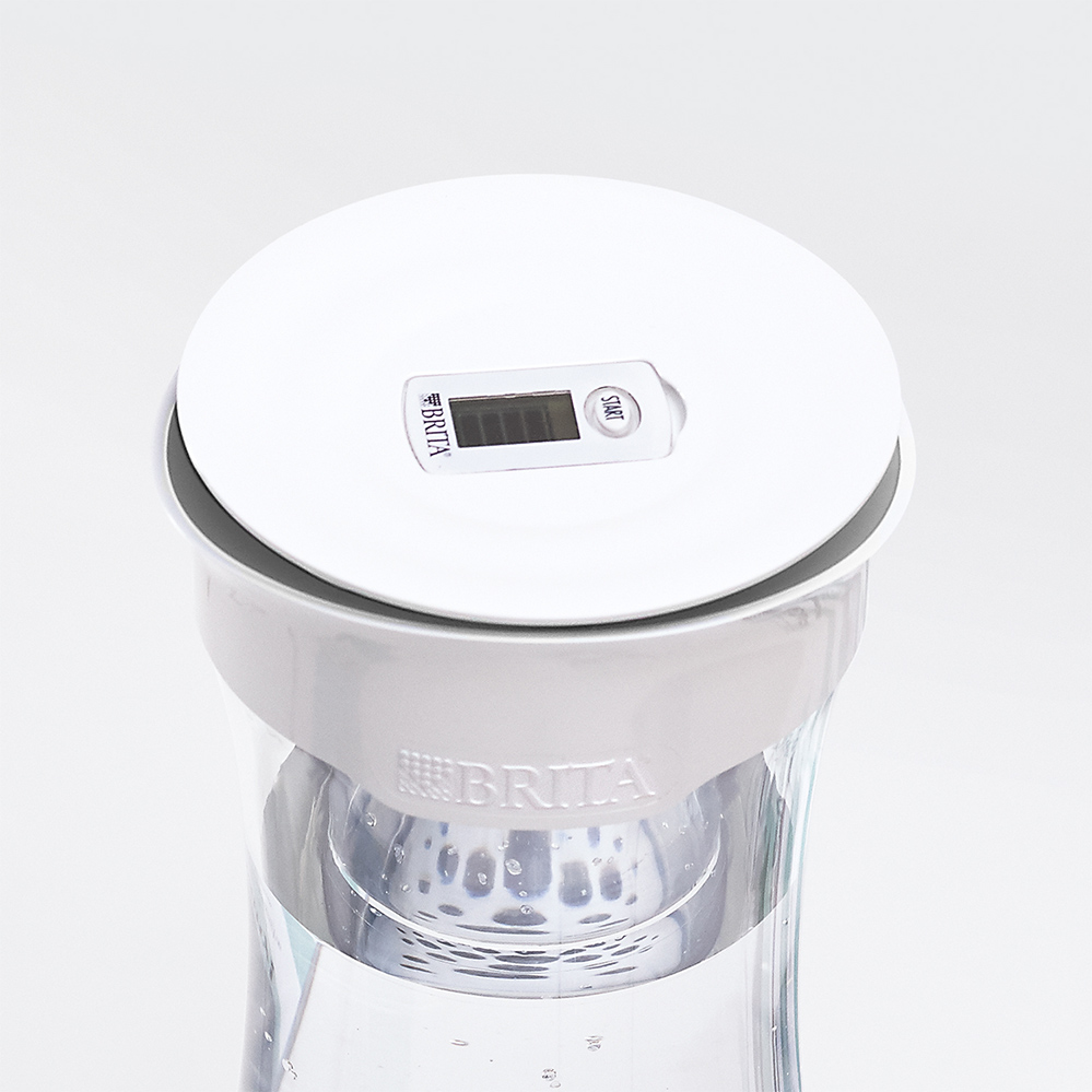 Brita-carafa-filtranta-fill-serve